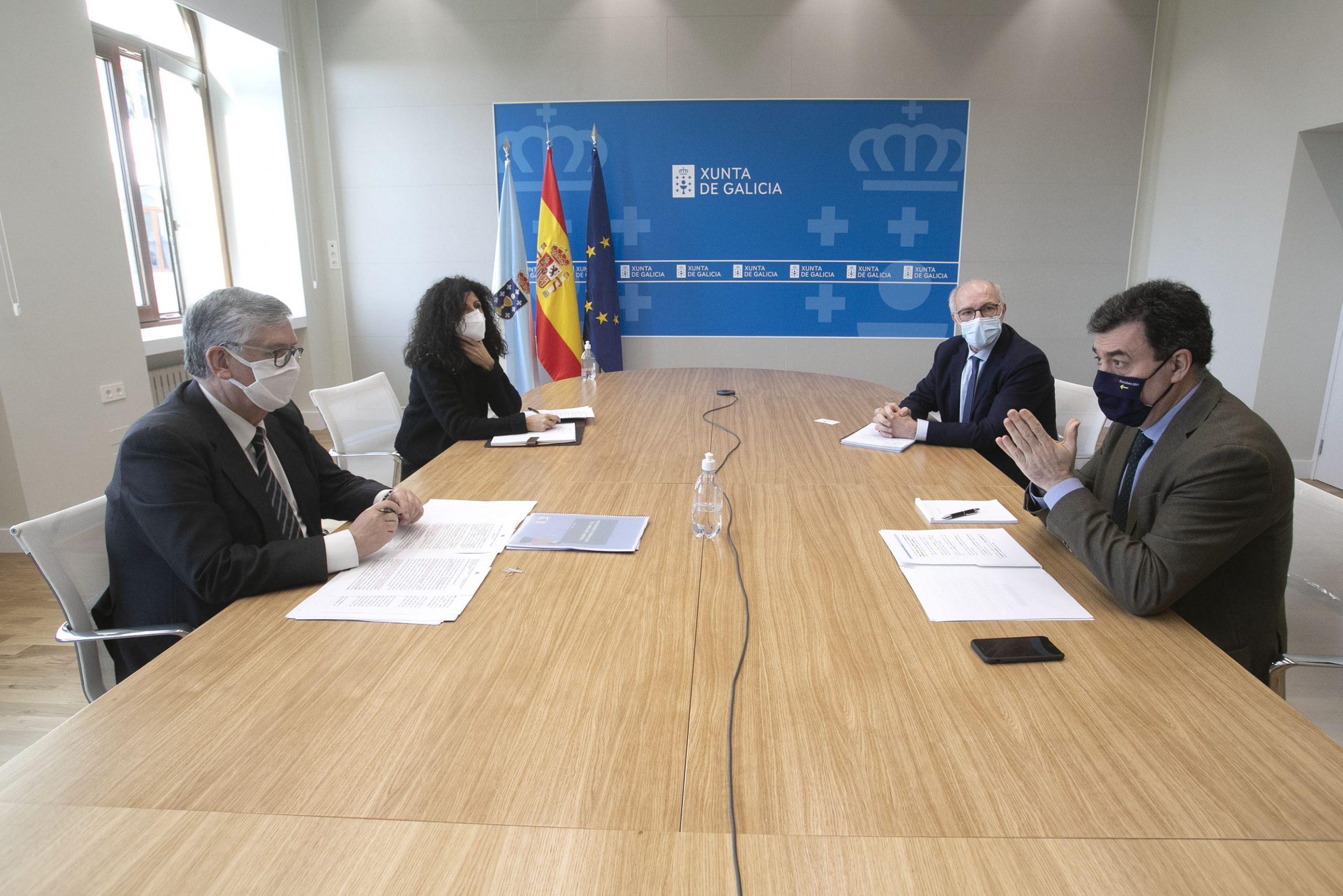 O conselleiro de Cultura, Educación e Universidade, Román Rodríguez, reúnese co novo presidente da Confederación de Empresarios de Galicia (CEG), Juan M. Vieites.